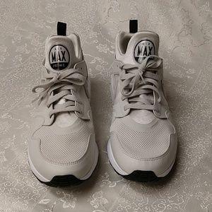 New  Nike Mens Air Max Prime Running Shoes sz.11.5